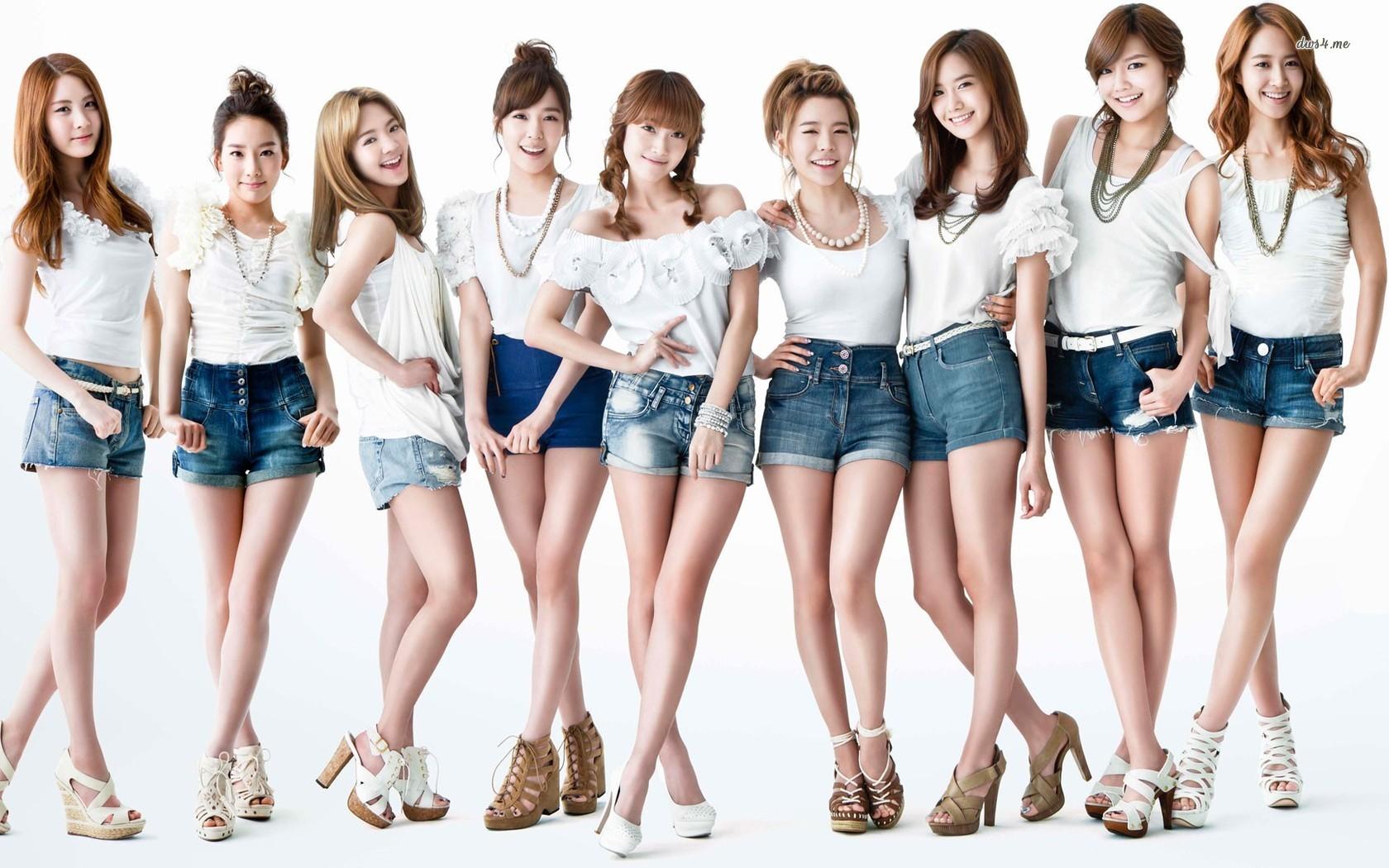 Play - Teams - Girls G...